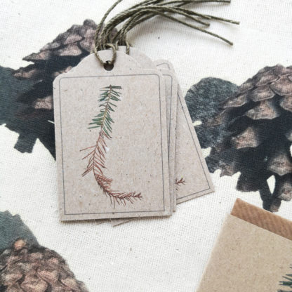 Set of gift tags featuring a spruce twig